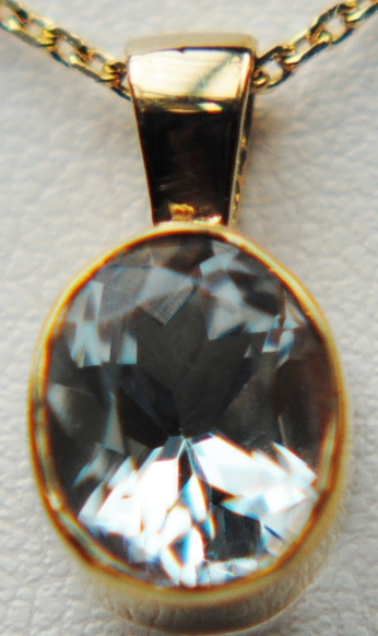 Aquamarine 9 Carat Yellow Gold Pendant J20-9909-17